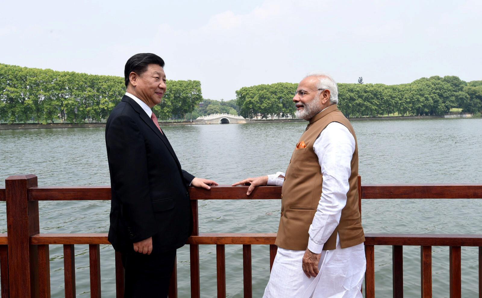 Chủ tịch Trung Quốc Tập Cận Binh và thủ tướng Ấn Độ Narendra Modi tại Vũ Hán, Trung Quốc, ngày 28/04/2018.