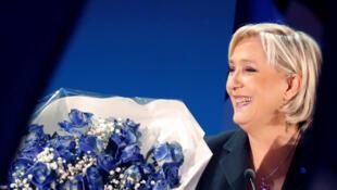 Marine Le Pen disputa eleitores da esquerda radical