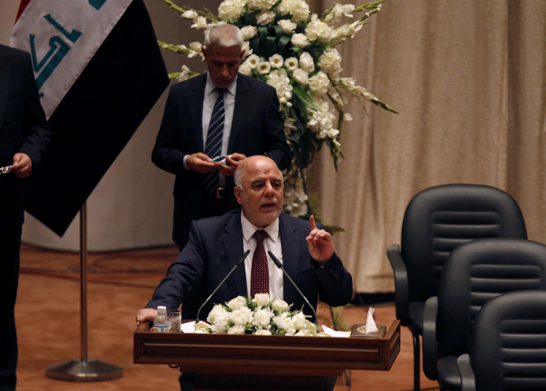 Thủ tướng Haïdar al-Abadi phát biểu trước Quốc hội Irak - REUTERS /Ahmed Saad