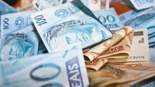 Política monetária dos Estados Unidos e Europa não é responsável pela alta do real.