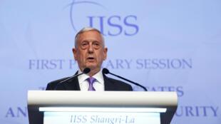 Bộ trưởng Quốc Phòng Mỹ James Mattis phát biểu tại diễn đàn Shangri-La năm 2017