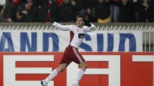 Nicolás Gaitán apontou o golo do apuramento do Benfica, no empate frente ao PSG a uma bola na segunda mão dos oitavos-de-final em 2011.