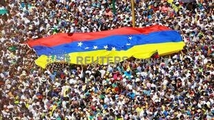 Opposition supporters take part in a rally against Venezuelan President Nicolas Maduro's government in Caracas, Venezuela February 2, 2019.