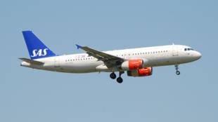 Самолет скандинавской авиакомпании SAS