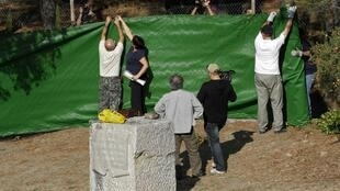 L'Association pour la Récupération de la Mémoire historique (ARMH) prépare le parc Federico-Garcia-Lorca où des fouilles doivent être menées cette semaine.