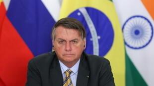 Durante cúpula do BRICS, Jair Bolsonaro falou sobre a busca do Brasil pela sua própria vacina e a necessidade de um equilíbrio econômico mesmo em um período de grave crise sanitária.