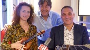 Victor Villena con Sabrina Condello y Jordi batallé en RFI