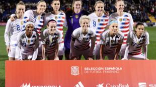 L'équipe féminine des États-Unis avant le match amical international féminin entre l'Espagne et les États-Unis à l'Estadio Jose Rico Perez le 22 janvier 2019 à Alicante, en Espagne.