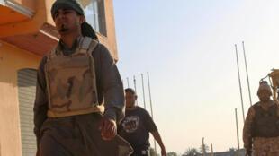 Lực lượng trung thành với chính phủ tiến vào thành phố Syrte, Libya, ngày 09/06/2016.