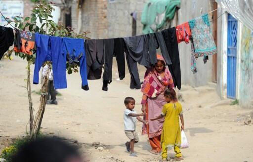 Самые бедные люди на планете стали беднее еще на 11% (на фото: один из беднейших районов Исламабада)
