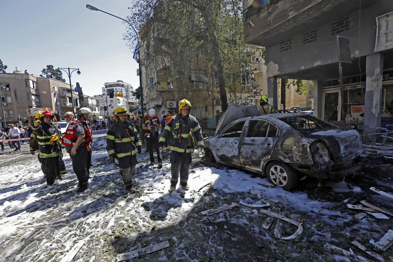 Image RFI Archive - des membres des services d'urgence israéliens