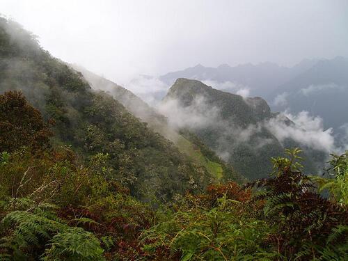 Desde Cuzco, los Incas administraban territorios lejanos a través de estos caminos.