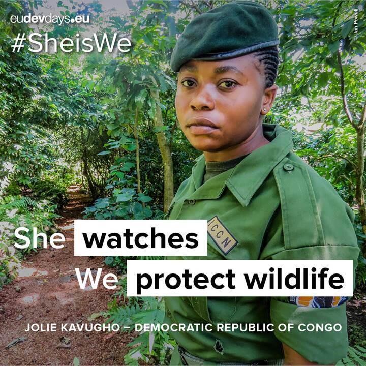 La ranger du Parc national des Virunga en RDC, Jolie Kavuhgo, est l'une des figures de la campagne #SheisWe.