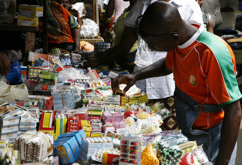 «Le médicament de la rue tue», tel est le dicton de la campagne lancée ce lundi contre les faux médicaments à l'initiative de la Fondation Chirac.