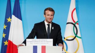 Le président français Emmanuel Macron prononce à l'Elysée son discours célébrant l'attribution des JO 2024 à La France. Paris, le 15 septembre 2017.