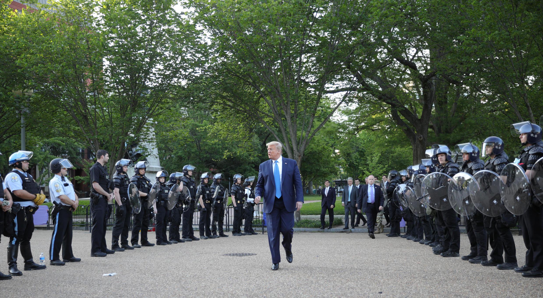 2020-06-01T000000Z_1485543676_RC2N0H9JCVE3_RTRMADP_3_MINNEAPOLIS-POLICE-PROTESTS-WASHINGTON