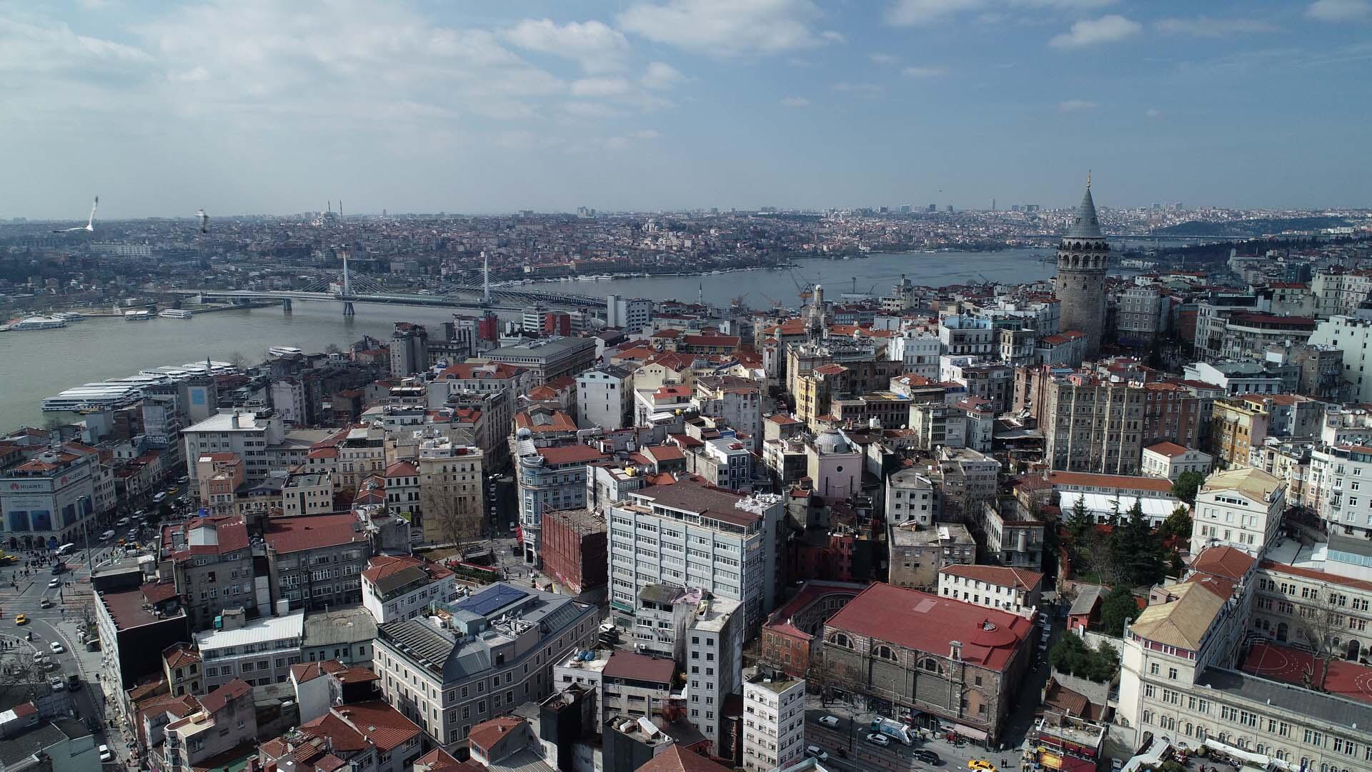 Un procès exemplaire se tient en ce moment à Istanbul, celui de Festus Okey, tué par un policier dans un commissariat.