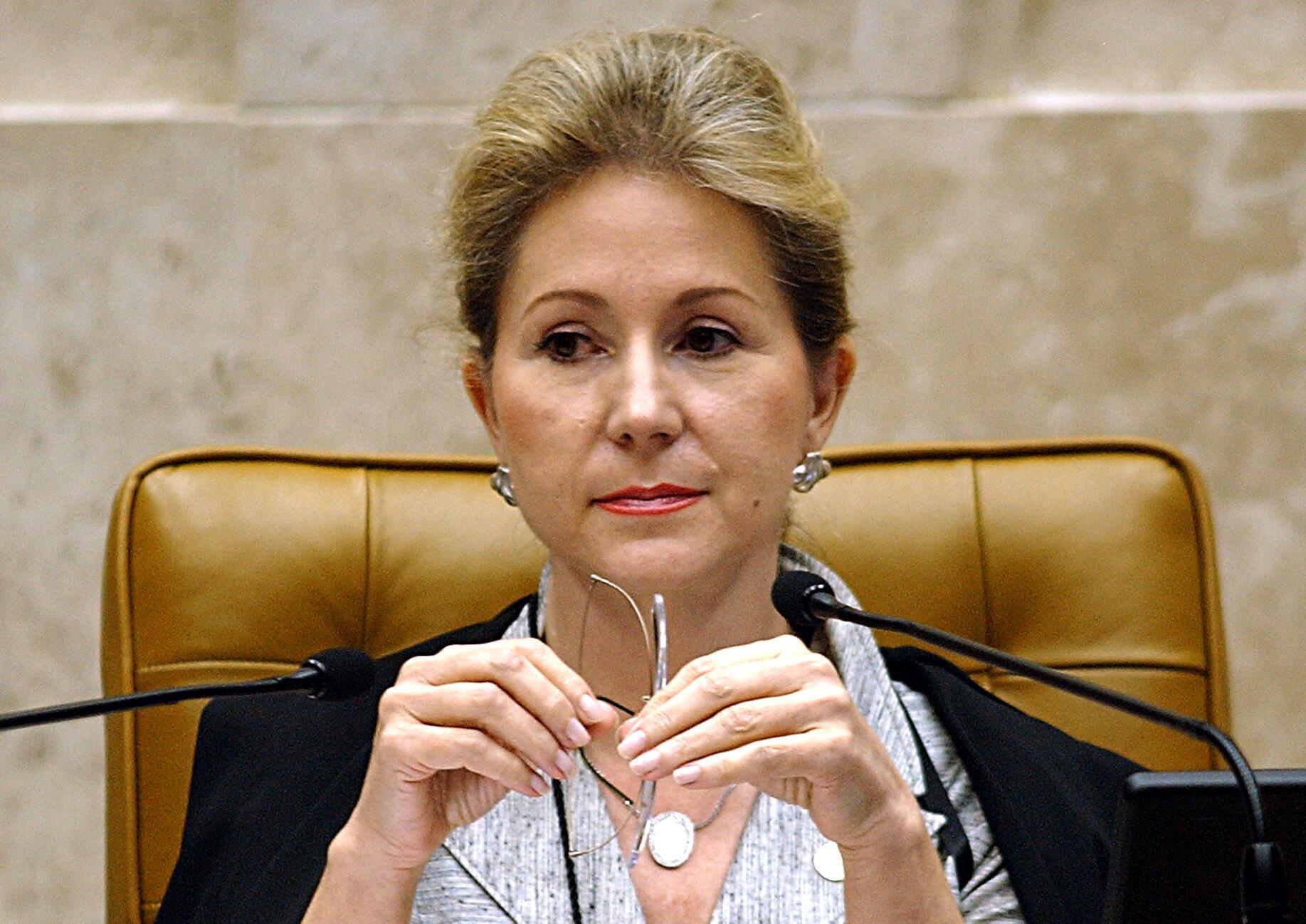 Ex-ministra do STF, Ellen Gracie foi a primeira mulher a chegar à presidência do órgão.