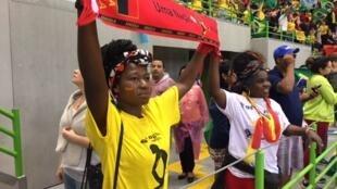 Adeptas de Angola durante o jogo contra o Brasil. 12 de Agosto de 2016.