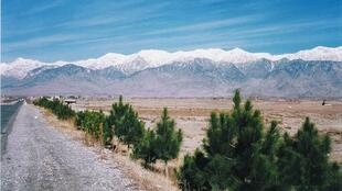 The road leading to Parachinar, Pakistan, 2004