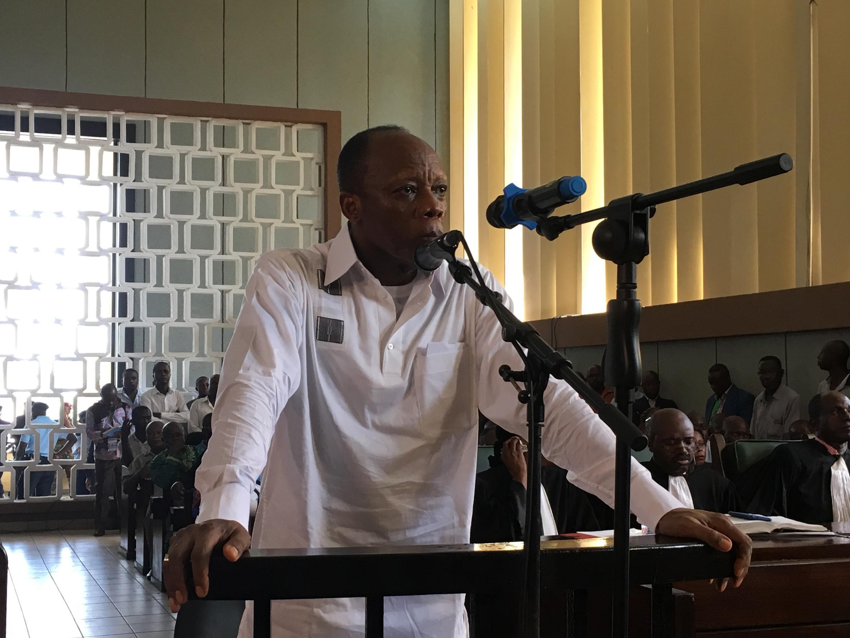 L'ex-candidat à la présidentielle, le général Jean-Marie Michel Mokoko, à l'ouverture de son procès, le 7 mai 2018.