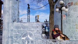 Canada - Québec - fillette et chien - carnaval de Québec - Grand reportage Pascale Guericolas 094843