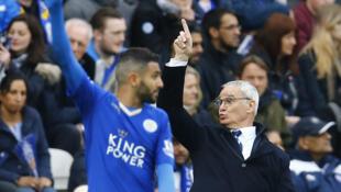 L'international algérien Riyad Mahrez et son entraîneur à Leicester Claudio Ranieri.