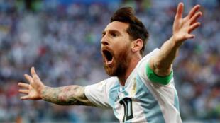 梅西破门,阿根廷2比1打败尼日利亚星期六与法国决一死战。