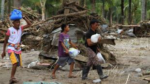 Nạn nhân bão Tembin tại Philippines. Ảnh ngày 24/12/2017.