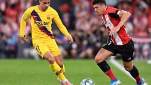 Antoine Griezman (áo vàng ) trong màu áo FC Barcelona mở màn La Liga gặp Atletic Bilbao ngày 16/08/2019.