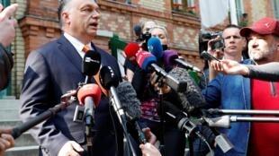 Le Premier ministre hongrois Viktor Orban, face à la presse à Budapest, le 26 mai 2019.