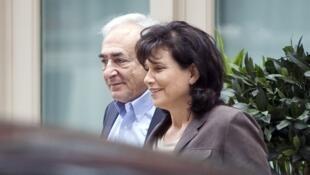Dominique Strauss-Kahn e a esposa, Anne Sinclair, em Nova Iorque