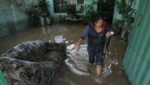 Recientes inundaciones y deslizamientos de terreno azotaron  Oaxaca (México).