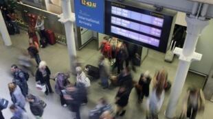 Passageiros chegando a Londres pelo Eurostar na estação de St Pancras. 10/10/14