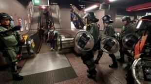 Cảnh sát chống bạo động Hồng Kông tại Causeway Bay ngày 08/09/2019.