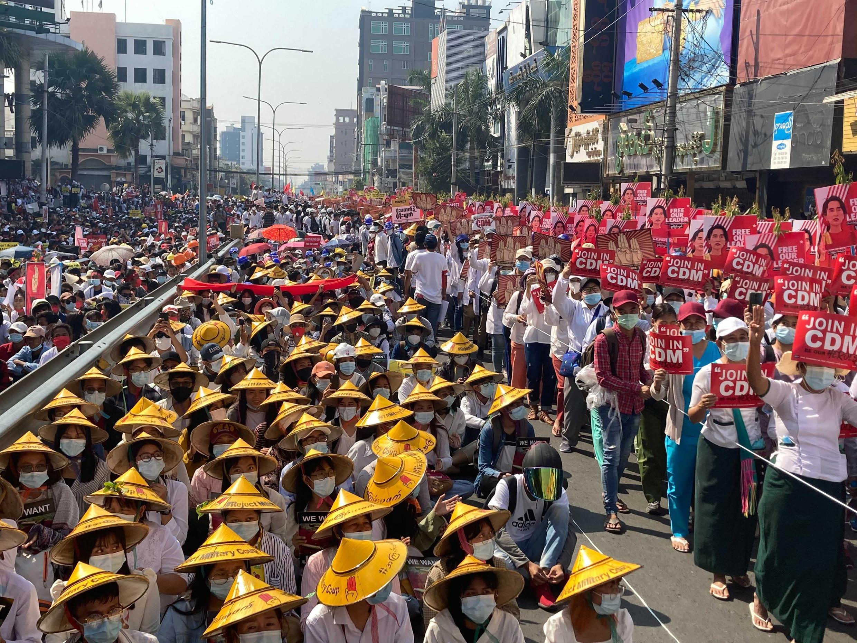 birmanie-manifestation-greve-generale