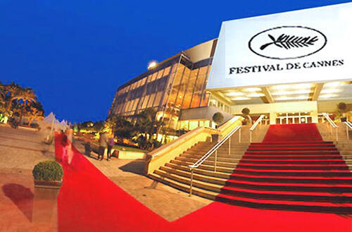 Truyền thống bước lên bục thảm đỏ tại liên hoan Cannes (DR)