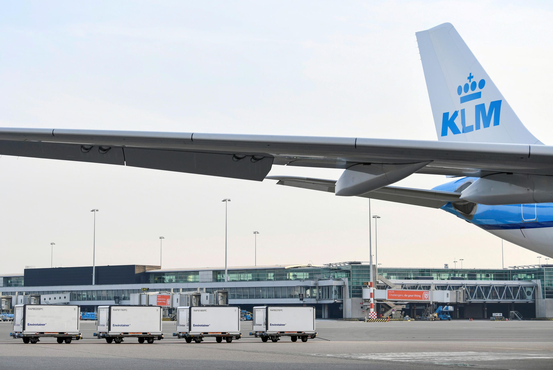 logistique vaccin covid coronavirus transport aéroport klm