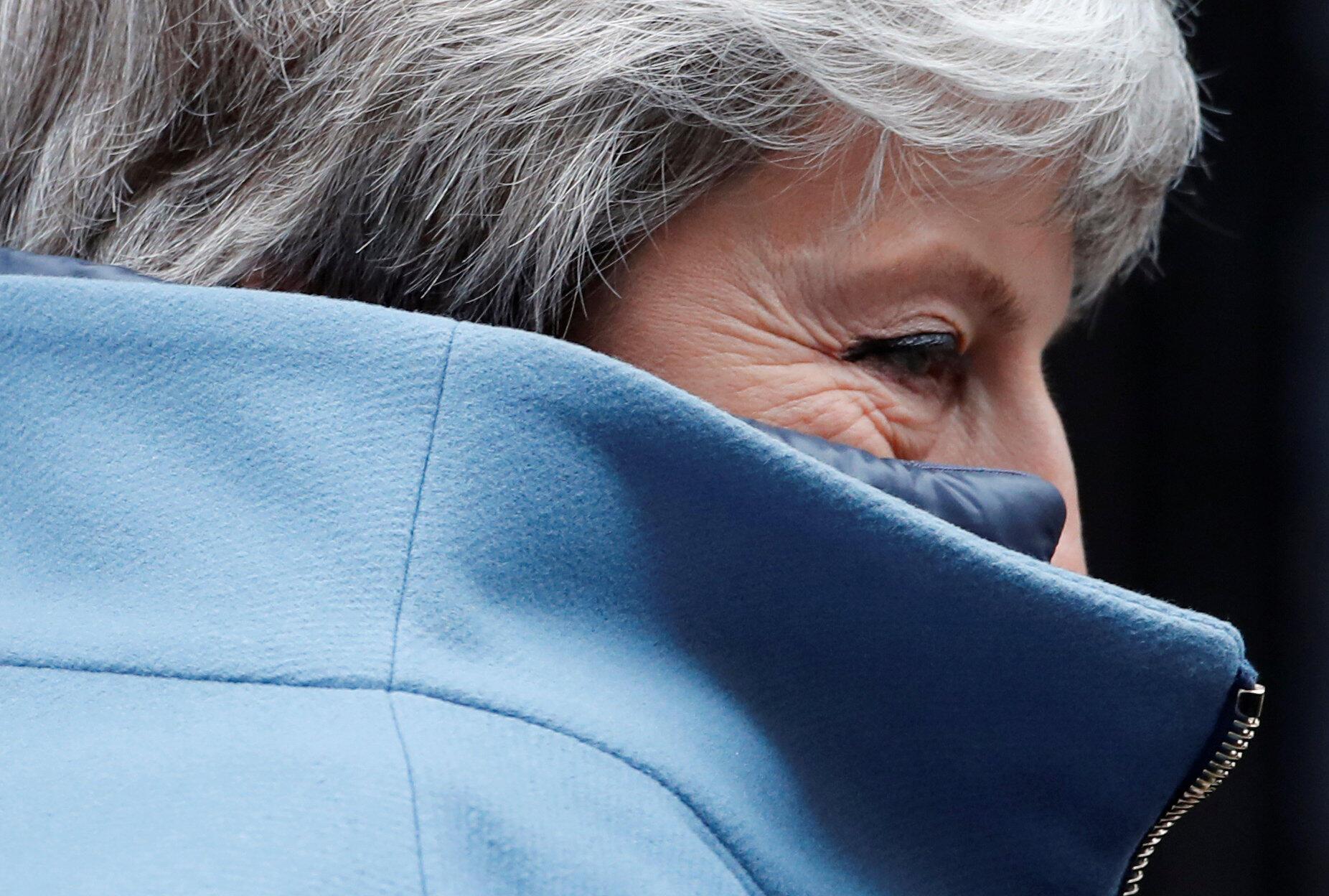 La Première ministre britannique Theresa May, quittant le 10 Downing Street, le 27 mars.