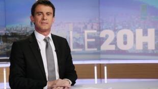 Manuel Valls, durante sua primeira entrevista como primeiro-ministro ao canal de televisão TF1. 2 de abril de 2014.