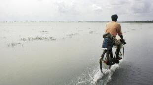 Photo d'illustration. Il y a dix ans, le tsunami avait fait quelque 30 000 morts au Sri Lanka, aujourd'hui le pays est en proie à des inondations.