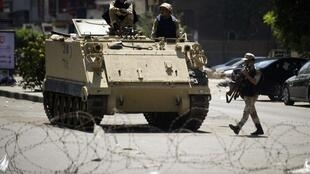 Des militaires égyptiens déployés au Caire.