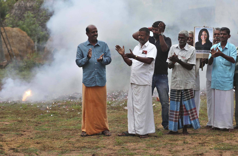 Célébrations à Thulasendrapuram, le village natal du grand-père maternel de la nouvelle vice-présidente américaine, le 8 novembre 2020.