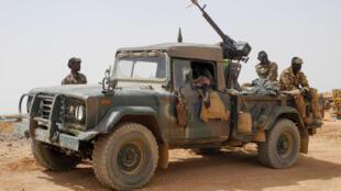 Des membres des Forces armées maliennes en patrouille, 2019 (image d'illustration)