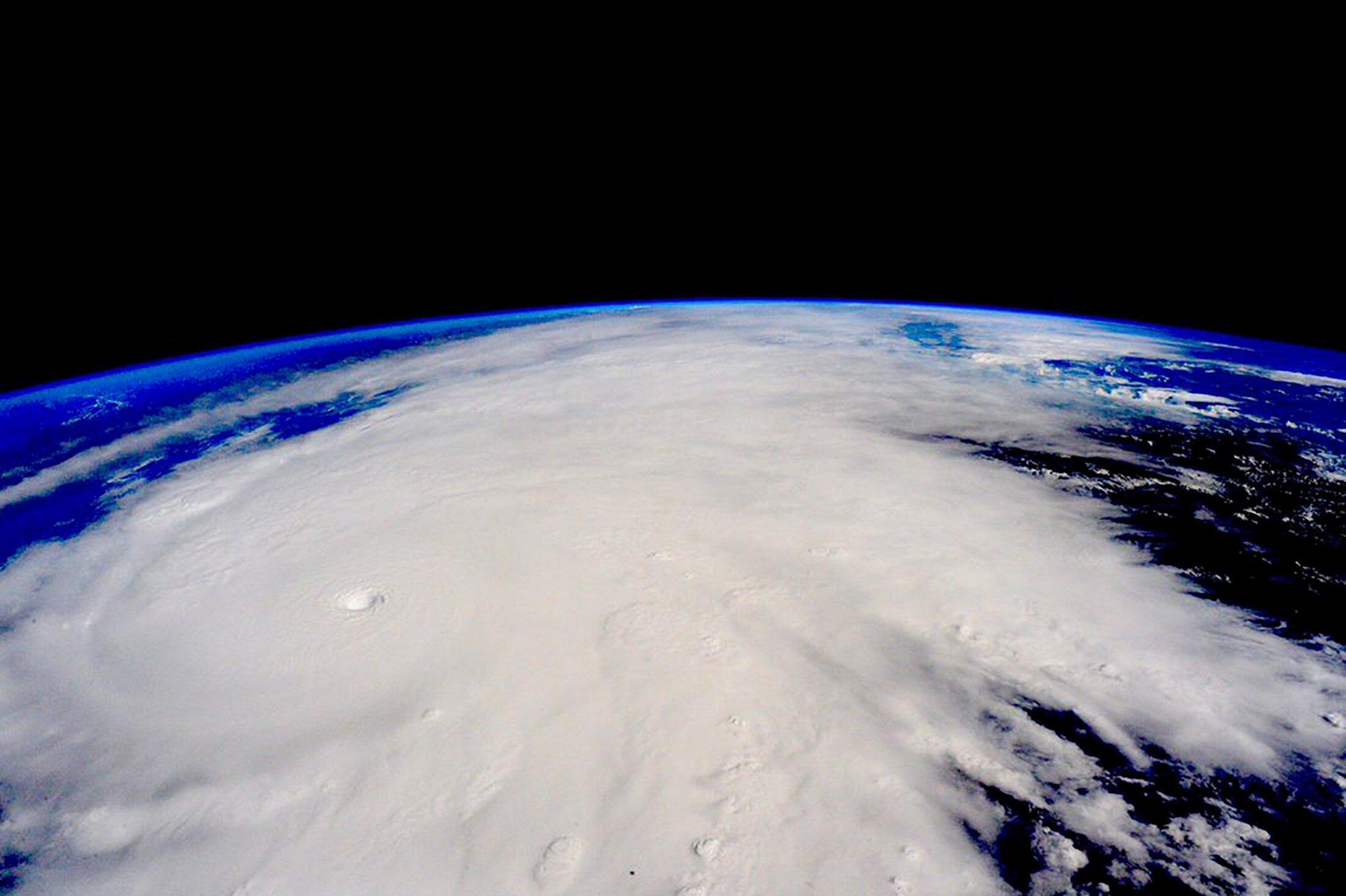 Photo satellite de l'ouragan Patricia au Mexique prise par la Nasa, depuis la Station Spatiale Internationale, le 23 octobre 2015.