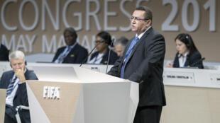 Le président de l'association de football israélienne, Ofer Eini, lors de son discours au 67e congrès de la Fifa à Bahreïn, le 11 mai.