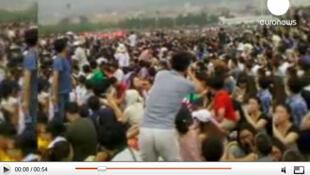 La chaîne Euronews a diffusé des images de manifestations ce dimanche 14 août à Dalian.