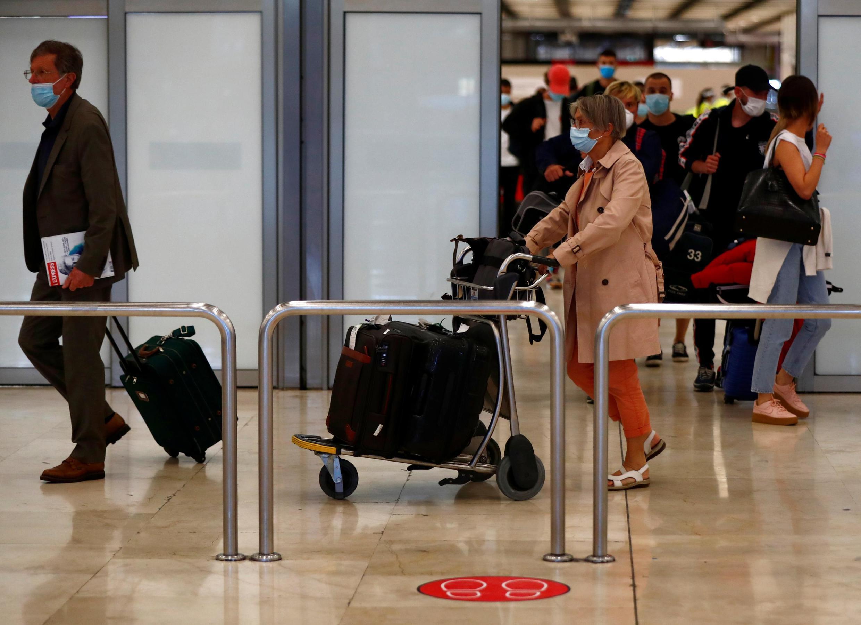 Pandémie en Europe : faut-il limiter les voyages ?