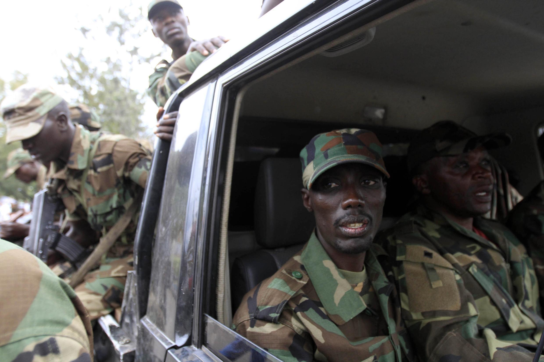 Le rebelle congolais Sultani Makenga dans un camion, à Goma, dans l'est de la RDC, le 20 novembre 2012.