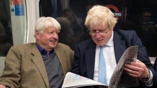 英首相约翰逊父子资料图片